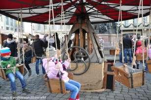 weihnachtsmarkt-an-der-frauenkirche-dresden-1